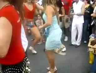 Desi gagra wali mallu village girl ki pissing image