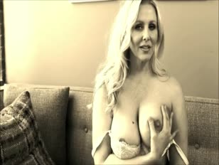 Bad lecturer mummy julia ann flashes you how to get extra credit